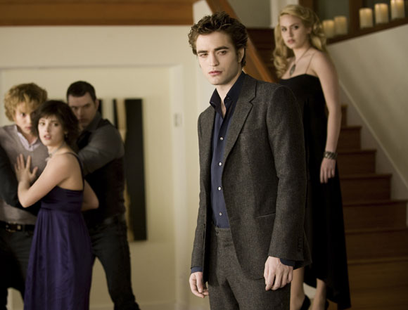 (Left to right) JACKSON RATHBONE stars as Jasper Hale, ASHLEY GREENE stars as Alice Cullen, KELLAN LUTZ stars as Emmett Cullen, ROBERT PATTINSON stars as Edward Cullen and NIKKI REED stars as Rosalie Hale in THE TWILIGHT SAGA: NEW MOON. Photo Credit: Kimberley French